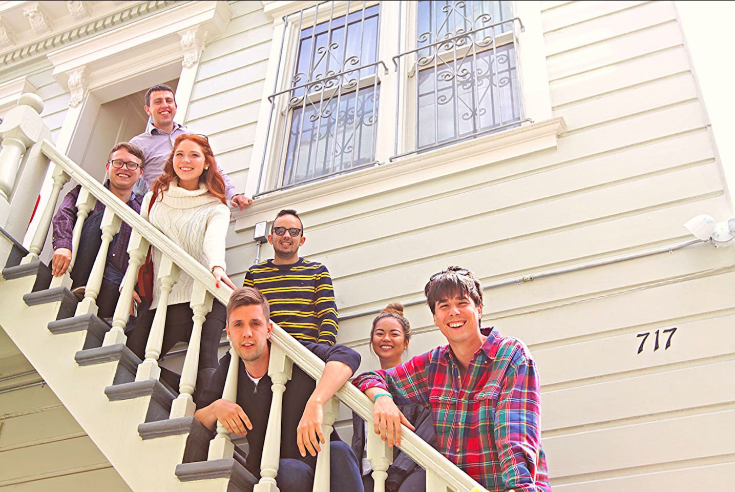 You new cosy lounge to change the world during the day and have fun at night in the centre of San Francisco, California. Let's have an impact!