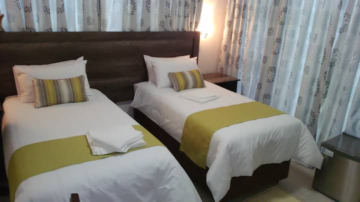 First Avenue Guest House - Room 4