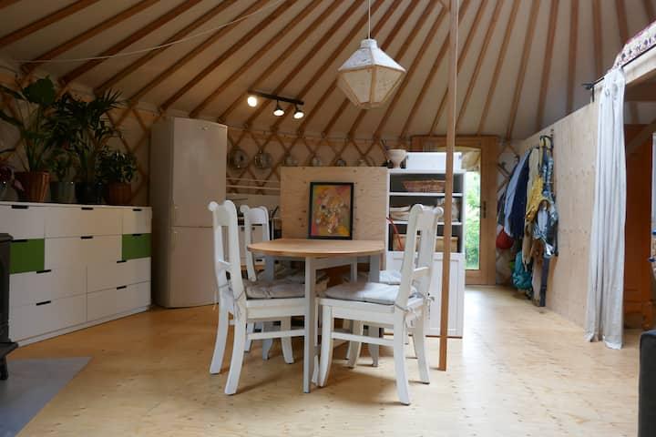 Luxe yurt op natuurcamping Bonater in Venhuizen