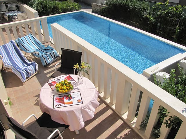 Apartments Dubrovnik with pool - Mokošica - Huis