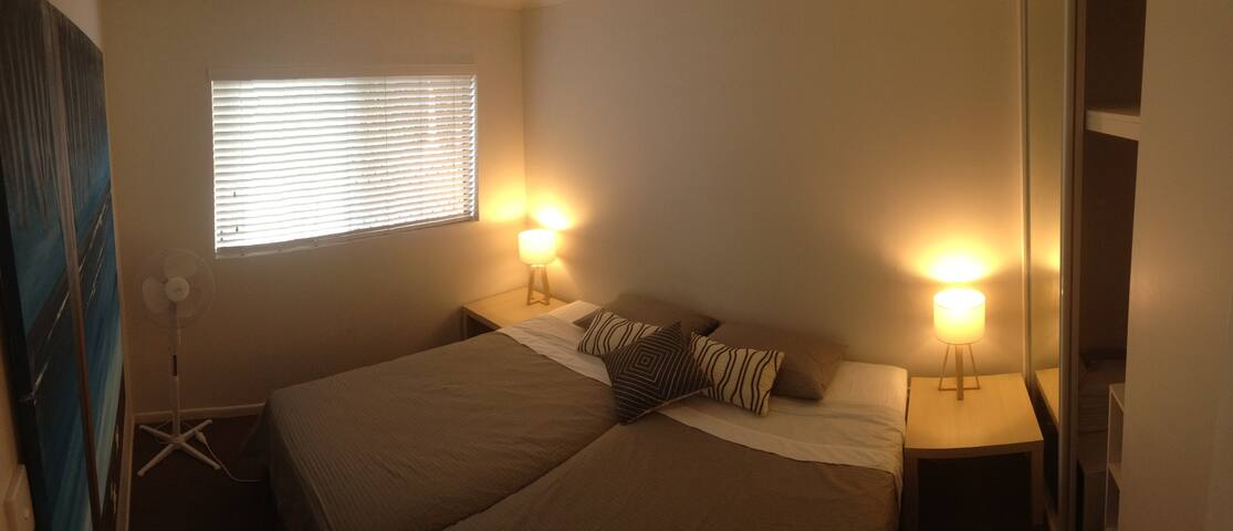 Nice room just across the beach - Maroochydore