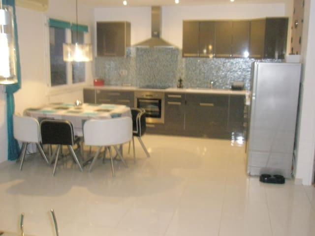 Appartement pour randonneurs,curistes,famille - Hérépian - Lejlighed