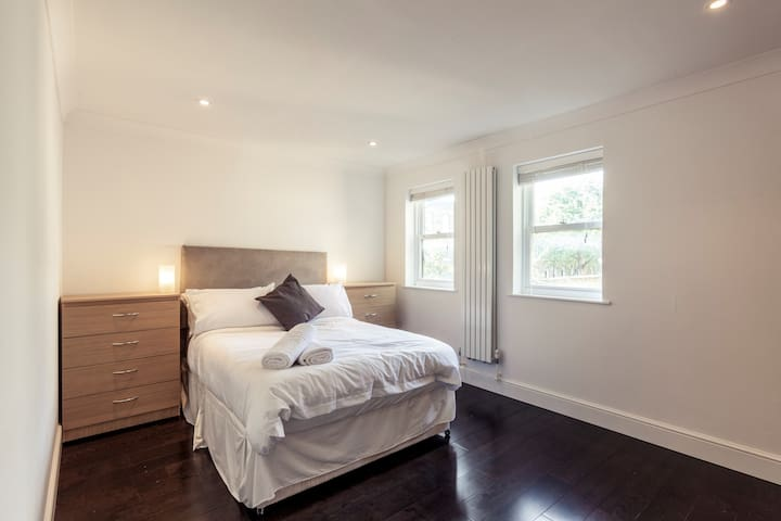 ★Central & Spacious Apartment - Angel & Essex Rd★
