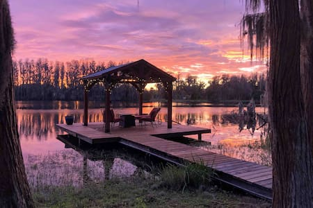 Villa on Lake Gardenia