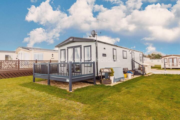 Platinum caravan with a FULL SEA VIEW Broadland sands holiday park ref 20285BS
