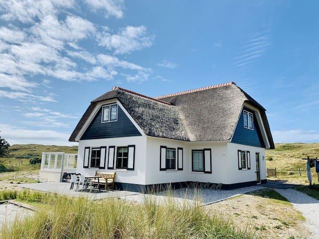 Luxurious dune villa close to the beach&lighthouse