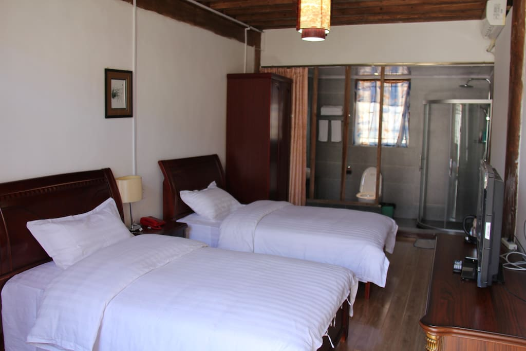 4 Bedroom with two single beds 标准间4个