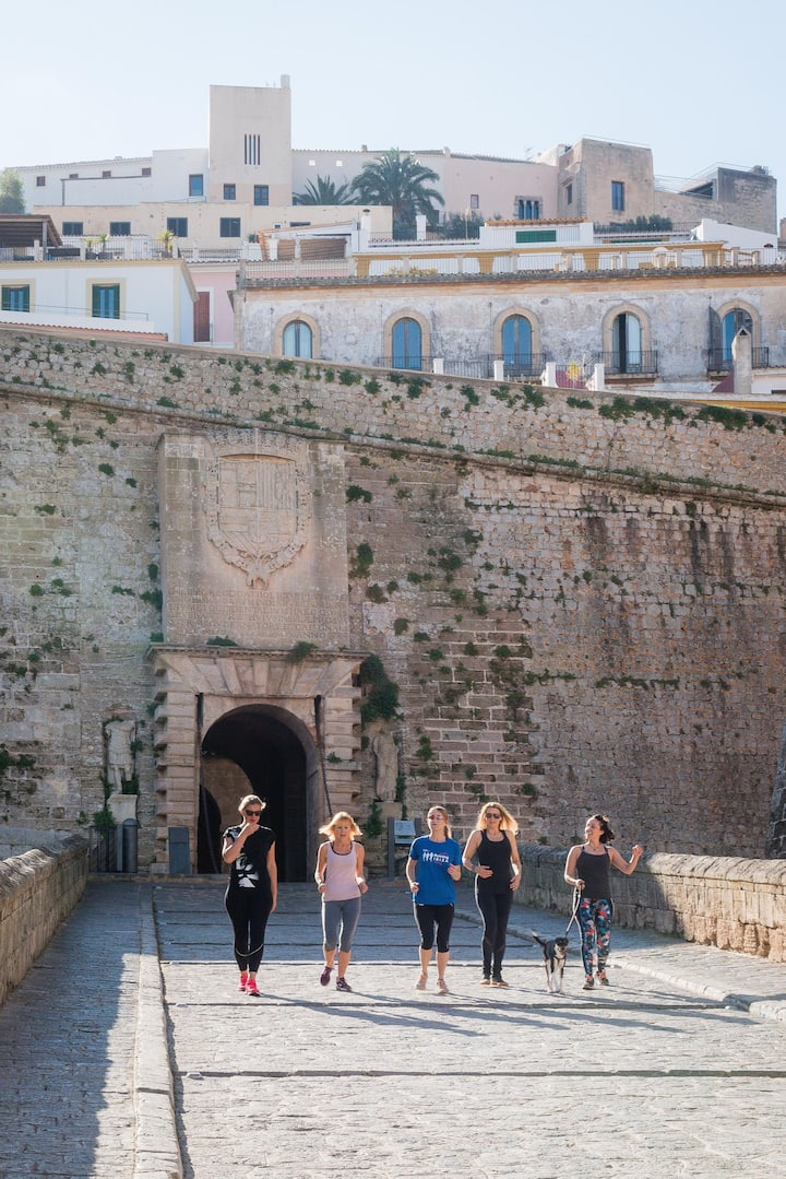 Run with us through the Dalt Vila