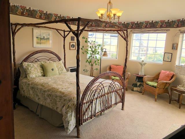 Intimate Garden Suite @Marina Street Inn
