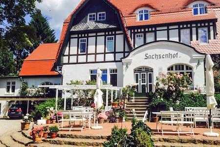 Romantisches Ferienzimmer Sachsenhof 11 - Apartemen