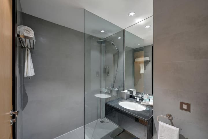 Amazing Private Room with daily free housekeeping