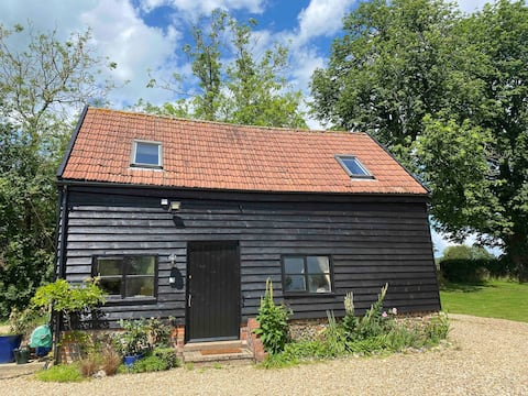 Gorgeous spacious private barn in quiet location