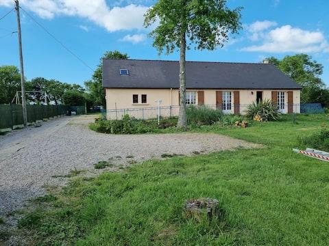 Maison chaleureuse à la campagne
