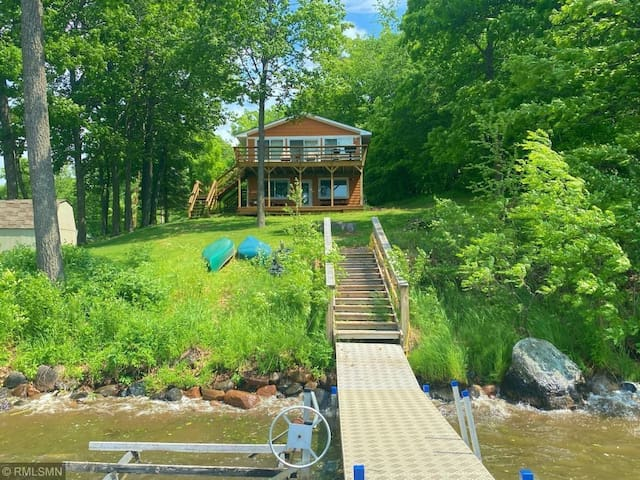 Entire MilleLacs lakefront cabin, enjoy year-round