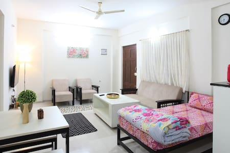 Spacious 1BHK with carpark and terrace singhsandra
