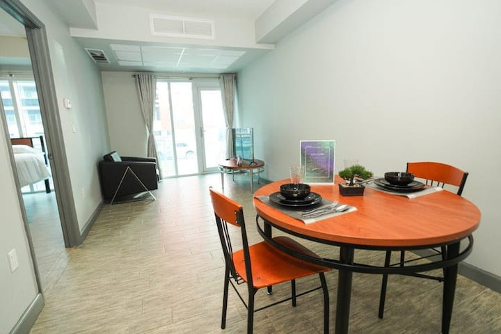 *Sunview Suites* Newly Renovated Downtown  2 Bdrm Suite