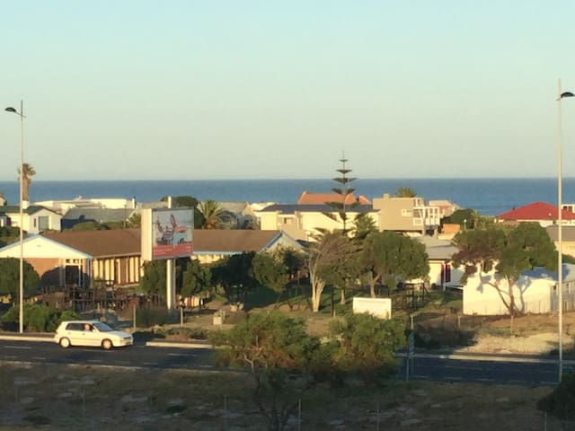 Self-Catering, double room with a great view! - Cape Town - Huoneisto