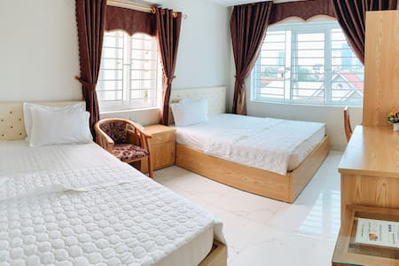 Hoang Ngan 2 Hotel - Twins room with 2 queen beds