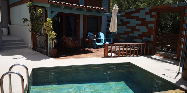 Holiday Home 'Las Hermanas II' with Sea View, Mountain View, Wi-Fi, Terraces, Shared Pool & Garden