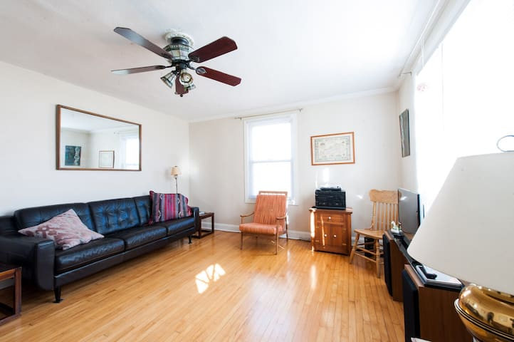 Clifton Heights - Spacious Three Bedroom House