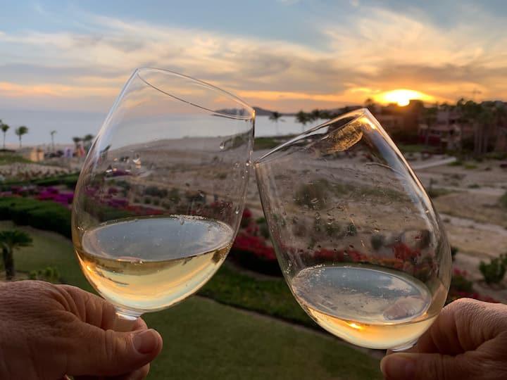 Romantic Beachfront Luxury Getaway in Cabo Resort