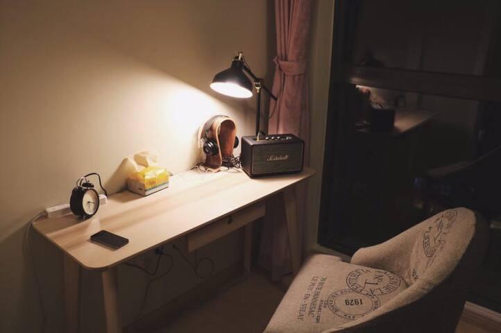高档住宅区 北欧原木风 全部宜家家具 整面落地窗 - 金华 - Appartamento