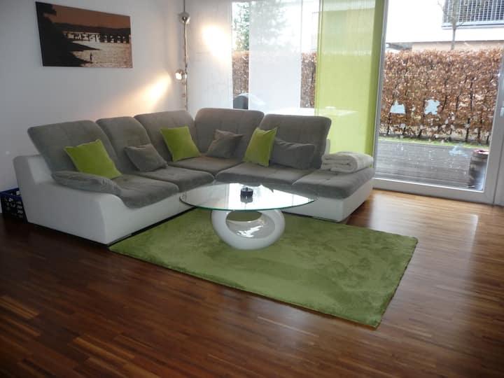 Stilvolle modern eingerichtete 3,5 Zimmer Wohnung
