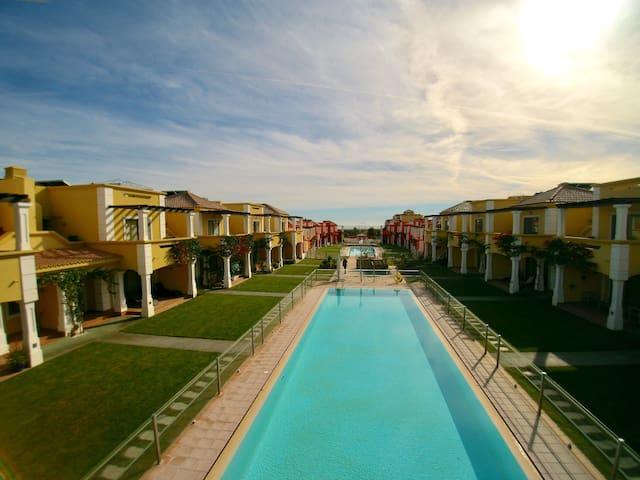 Luxury Villa in Private Condo, with 3 Pools