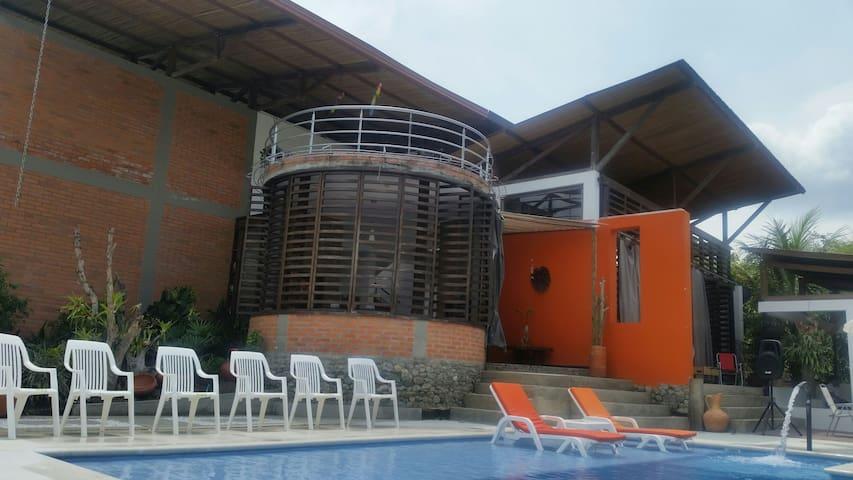 Casa Finca Luna Nueva - SANTAGUEDA - Casa