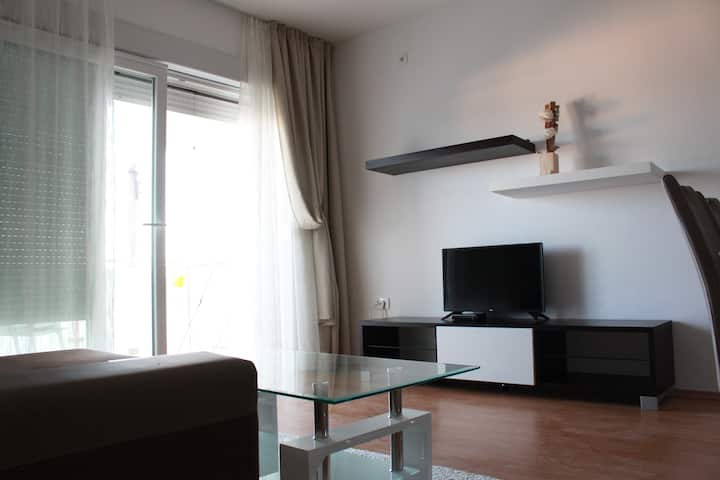 Modern Apt West | Sea View+Near the Beach+Parking