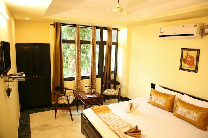 Cozy and spacious room in Jaipur