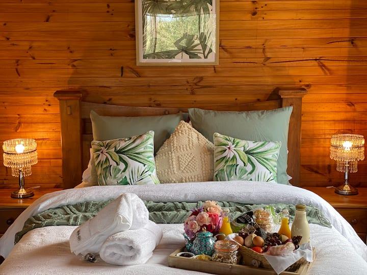 Romantic Olive Cottage - Hunter River Retreat
