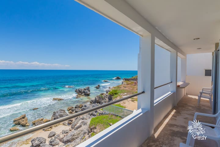 Caribbean Oceanfront 2 Bdrm w/heated rooftop pool