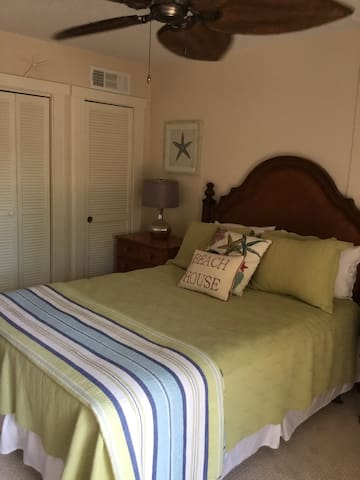 One bedroom efficiency offered at Xanadu villas