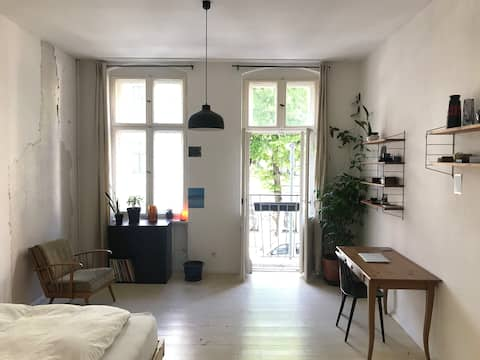 24sqm room in 2 person flat - Long Term Welcome!