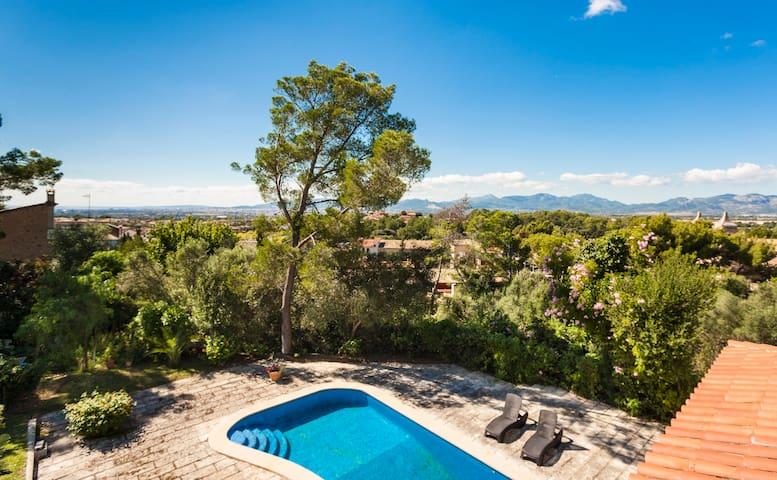 House with pool , next to Palma, Sa Cabaneta