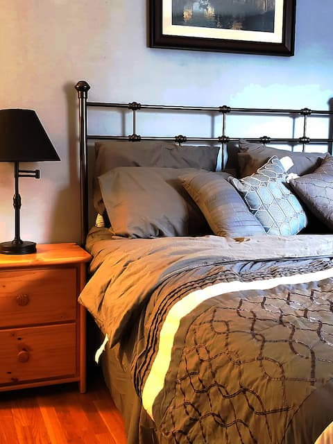 one bedroom with private entrance with full bathroom