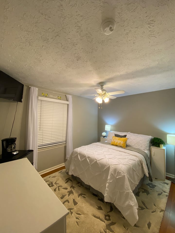 Cozy Room in Bowling Green near exit 28 on I 65