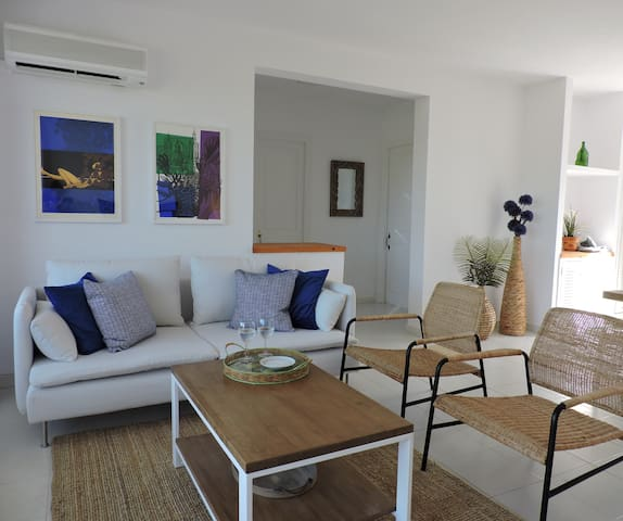 Exclusive Apartment 2 Bedrooms, pool,beach & Golf