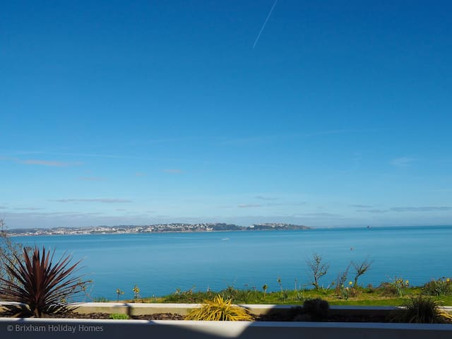 Osprey 1 - The Cove - architect designed 2 bed apartment with sea views & large terrace