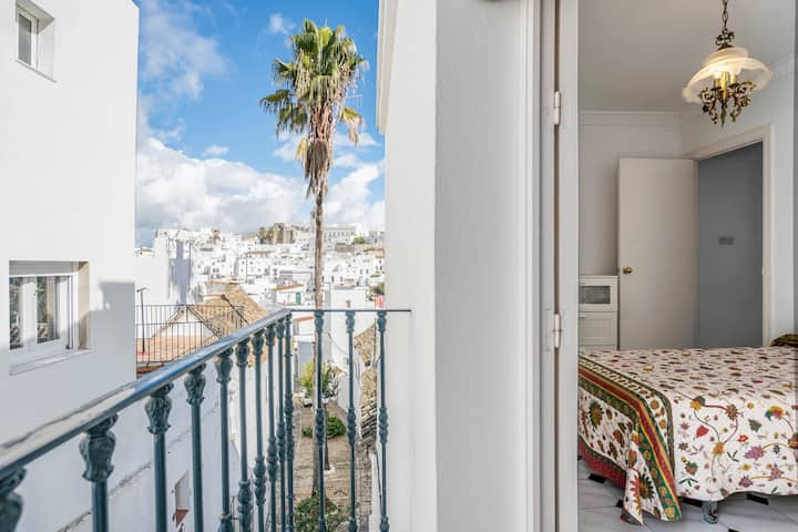 Charming Home Casa Romero in Historic Centre with Balcony, Wi-Fi & Air Conditioning