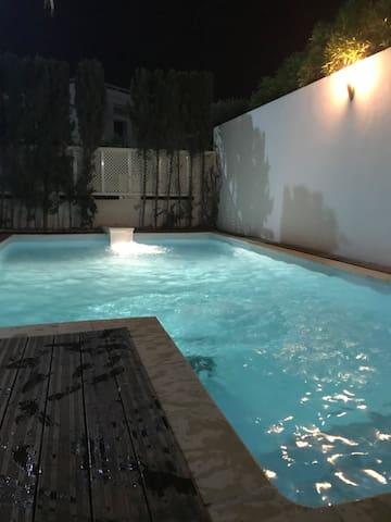 Villa casa blàca
