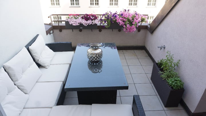 1-bedroom guest apartment in centrally located apt