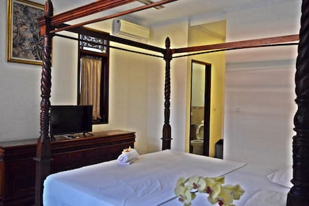 Yulia2 Homestay Sanur Guesthouse 2pax Suite Room - Denpasar