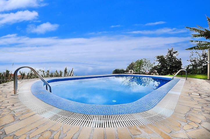 Villa calheta prazeres private pool