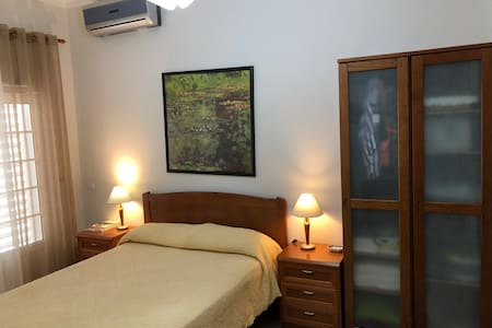Double bedroom - en suite - self-contained