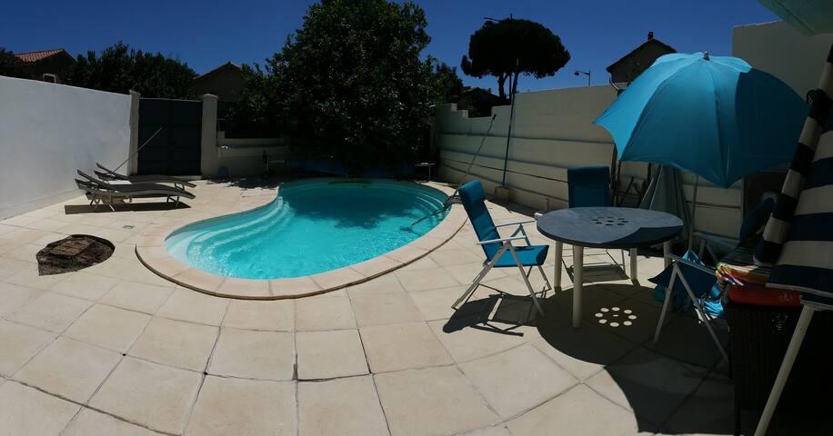 chambre avec accès piscine - Bompas - House