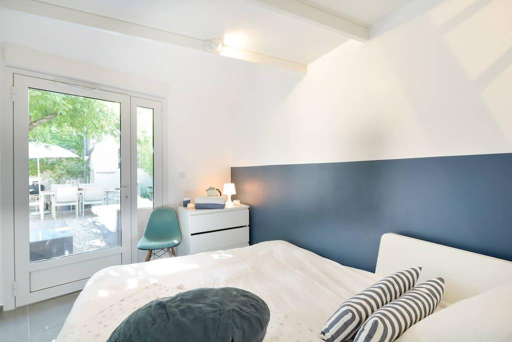 charmant studio 10 minutes de bordeaux guest houses louer bouliac nouvelle aquitaine. Black Bedroom Furniture Sets. Home Design Ideas