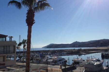 loue appartement sur le port d'Argeles - Argelès-sur-Mer - Byt