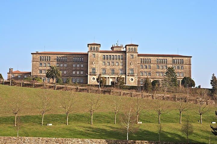 Albergue de peregrinos Seminario Menor - Santiago de Compostela - Gästehaus
